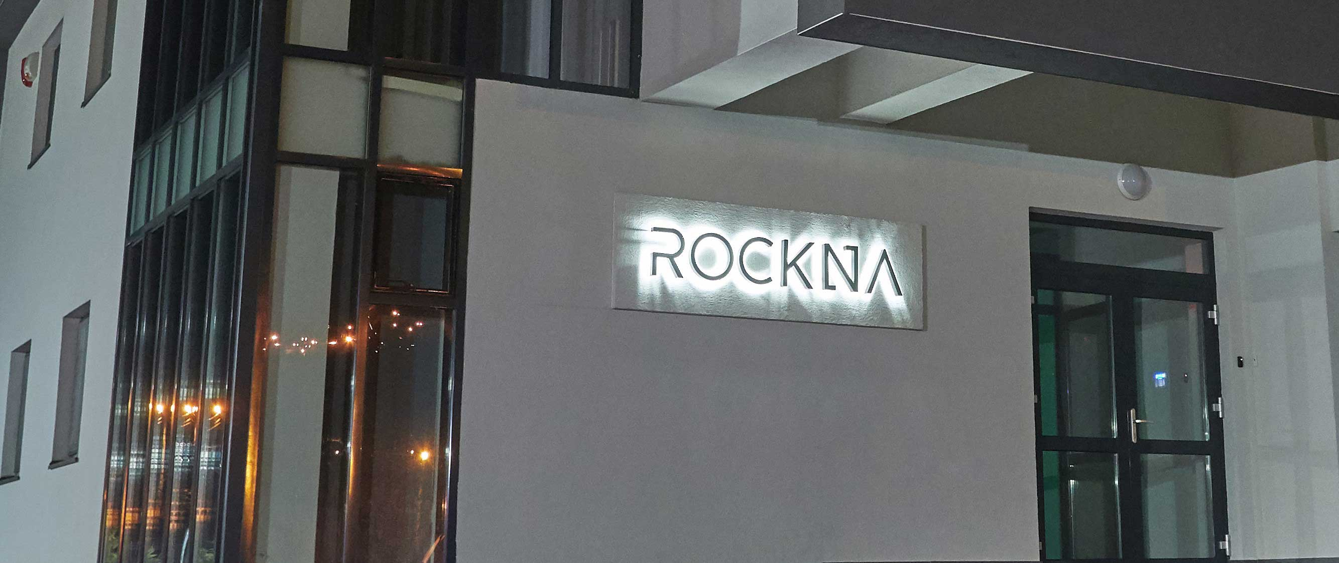 Rockna company night logo